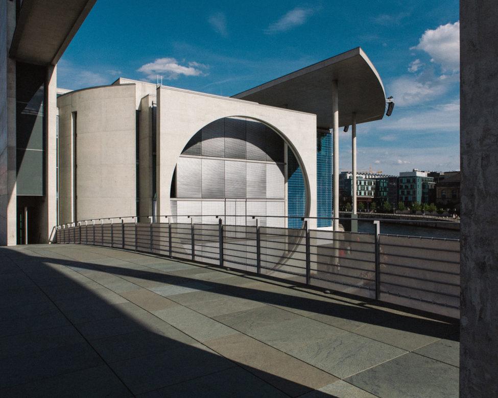 Berlin - dzielnica rządowa - architektura - plener fotograficzny
